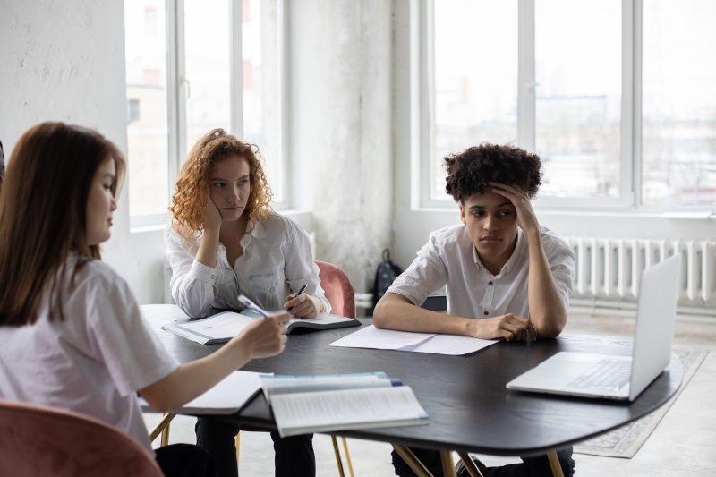 DOSSIER INTERSECTIONNALITÉ 3/3 Combattre les discriminations en entreprise : « Il faut éviter d'avoir des angles morts »
